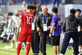 """Phía HLV Park Hang-seo khẳng định không đòi hỏi VFF mức lương """"quá đáng"""""""