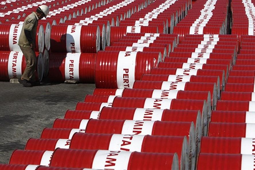 Giá dầu hôm nay tiếp tục giảm sâu