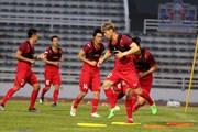 Công Phượng bị trung vệ 1m90 của Thái Lan phạm lỗi thô bạo tại King's Cup