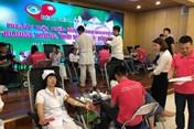 Các bác sĩ Bệnh viện Mắt TƯ tình nguyện hiến hơn 150 đơn vị máu