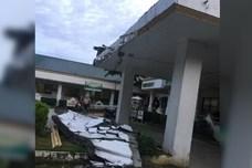 Nóng nhất hôm nay: Nhà hàng rơi xuống sông vì động đất 5,8 độ richter