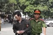 Mở phiên xử 'tú ông' môi giới bán dâm hàng nghìn USD