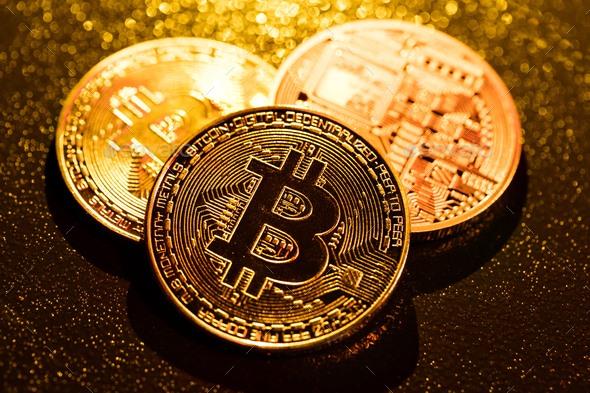 Giá tiền ảo 16.7: Bitcoin bật lên 10.000$, thời điểm vàng để mua gom?