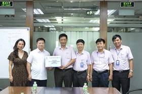 Công đoàn Điện lực Việt Nam động viên CNLĐ làm việc cường độ cao