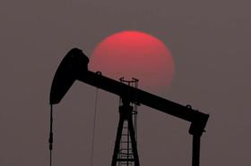 Giá xăng dầu hôm nay 18.7: Giá dầu Mỹ giảm mạnh liên tiếp