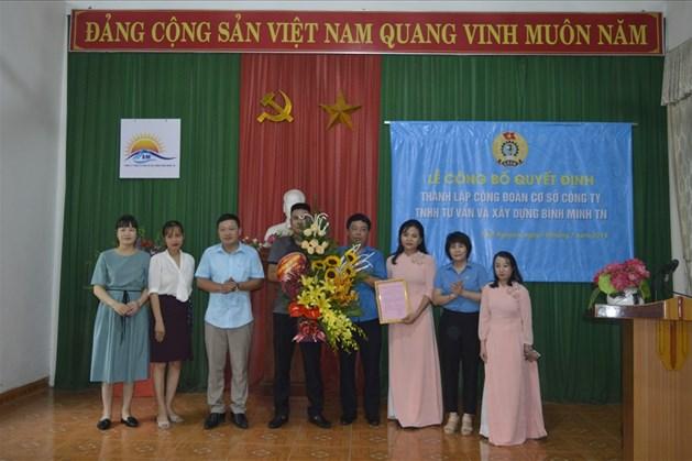 Lễ trao quyết định thành lập Công đoàn cơ sở Công ty TNHH Tư vấn và Xây dựng Bình Minh Thái Nguyên.