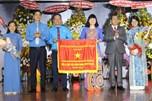 Tặng Cờ thi đua của Thủ tướng Chính phủ cho LĐLĐ tỉnh Bình Dương