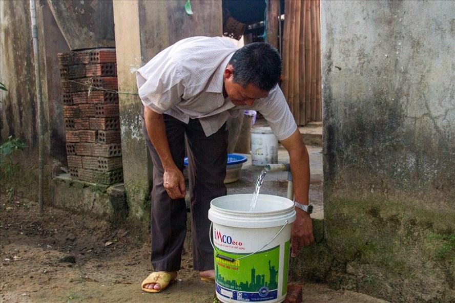 Nguồn nước sinh hoạt bị nhiễm mặn. Ảnh: Thành Vân.