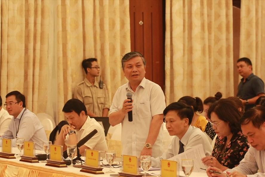 Ông Nguyễn Trọng Thừa - Thứ trưởng Bộ Nội vụ phát biểu tại họp báo. Ảnh: Trần Vương