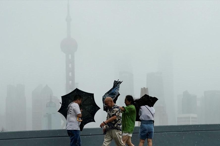 Bão Lekima gây thiệt hại về người và tài sản ở miền đông Trung Quốc hồi tuần trước. Ảnh: Sky News.
