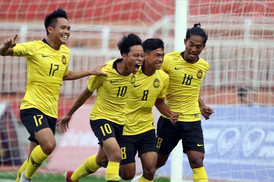 U18 Malaysia vẫn có vé vào bán kết giải Đông Nam Á 2019 sau khi U18 Việt Nam thảm bại trước Campuchia. Ảnh: Hữu Phạm