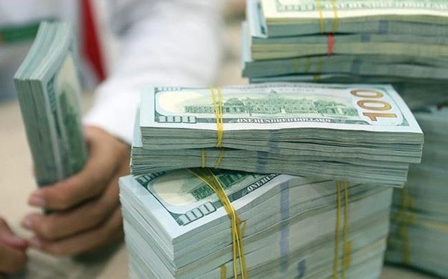 Tỷ giá ngoại tệ 25.8: USD rớt đáy 1 tuần, giá vàng tăng vọt đỉnh