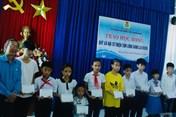 LĐLĐ Quảng Nam trao học bổng cho con công nhân lao động khó khăn