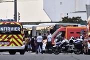 Đâm dao loạn xạ ở ngoại ô Lyon, Pháp, hàng chục người thương vong