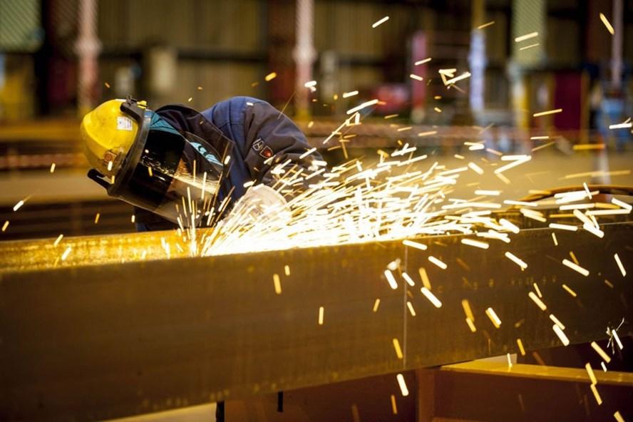Đầu tư công nghệ sản xuất và tăng năng suất lao động là một ưu tiên để tăng trưởng kinh tế. Ảnh: PV