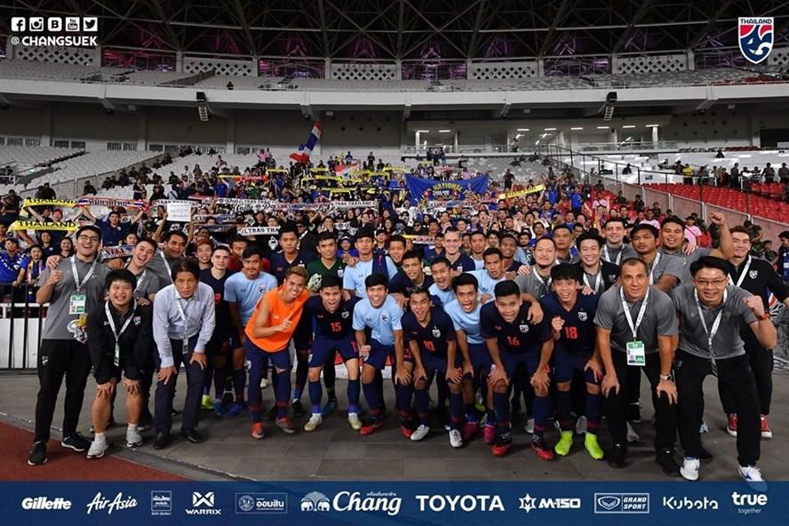 Tuyển Thái Lan nhận thưởng khủng sau chiến thắng 3-0 trước Indonesia. Ảnh: FAT
