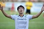 """Minh Vương đi bóng như Messi, lập hat-trick giữa """"rừng"""" cầu thủ Hải Phòng"""
