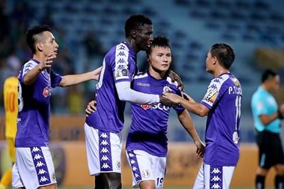 Hà Nội FC lập hàng loạt kỉ lục khó tin sau khi vô địch V.League 2019