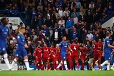 Hạ Chelsea ngay tại Stamford Bridge, Liverpool bỏ cách Man City 5 điểm