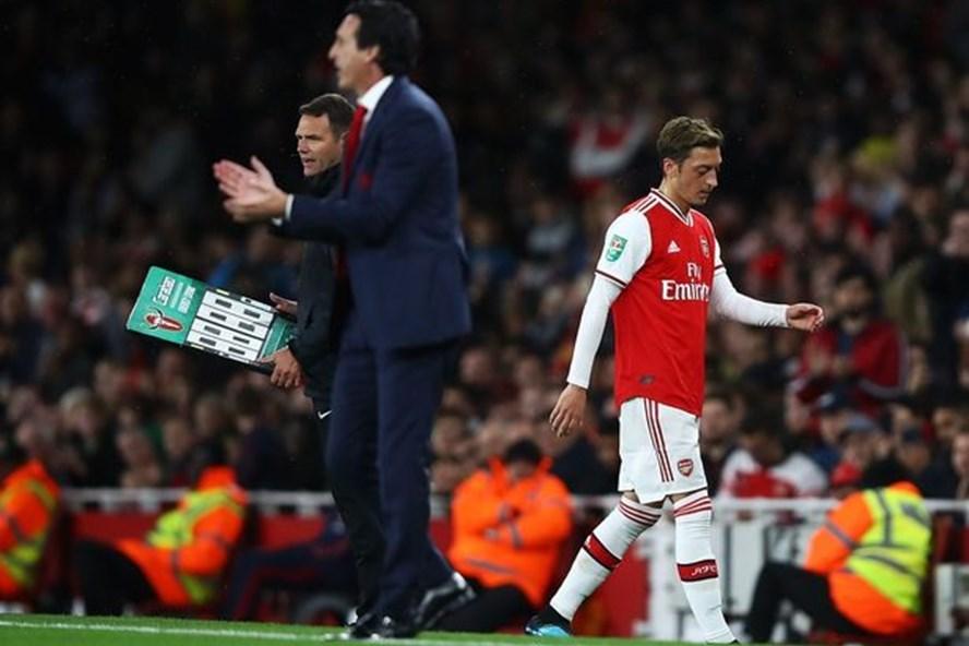"""Ozil đang là """"người thừa"""" ở Arsenal. Ảnh; Getty"""