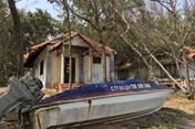 """Cận cảnh hoang tàn của """"trung tâm resort"""", sau khi dừng xây cảng Kê Gà"""