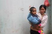 """LD1614: Éo le gia đình ba người khuyết tật """"cõng"""" một trẻ tim bẩm sinh"""