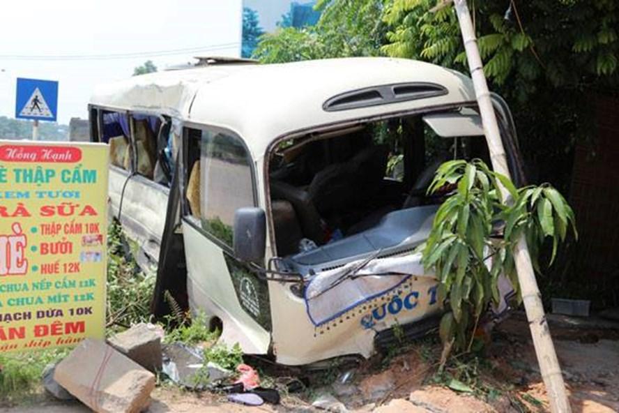 Hiện trường vụ tai nạn giao thông nghiêm trọng tại Tam Đảo.