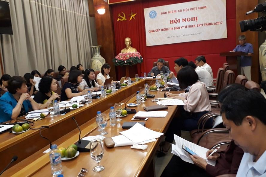Toàn cảnh cuộc họp của cơ quan Bảo hiểm xã hội Việt Nam ngày 25.4. Ảnh: THÙY LINH